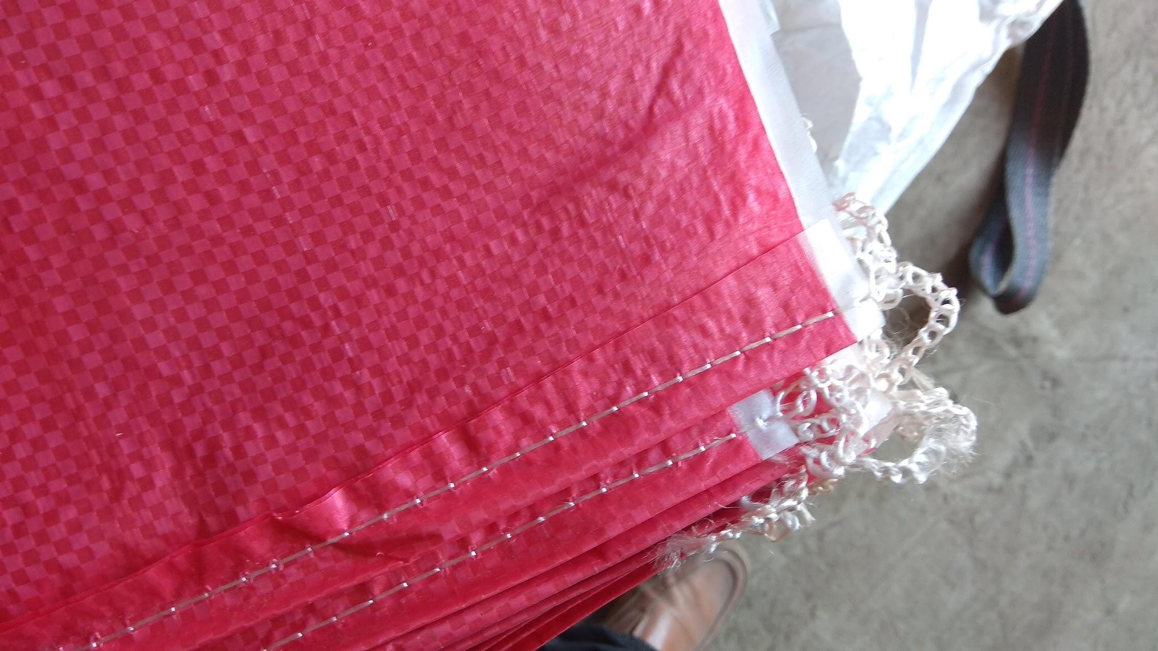 Мешки полипропиленовые  140 * 170 см, ламинированные. большие  на 100 кг, зеленые/красные. вес 306 гр