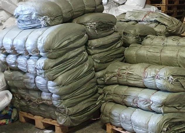 55*95 см. Зеленые мешки строительные. 40 гр